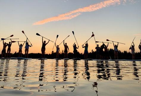 Захід сонця на SUP-бордах на Оболоні щосереди